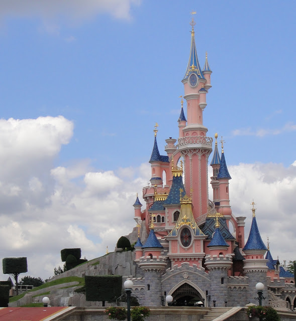 Le Chateau de la Belle au Bois Dormant…