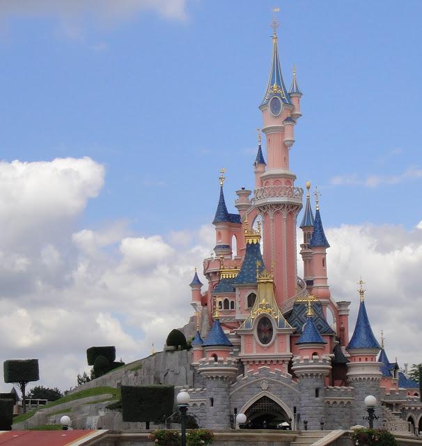 10 things Walt Disney World fans will love about Disneyland Paris