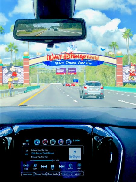 Minnie Van transportation to Disney Resorts