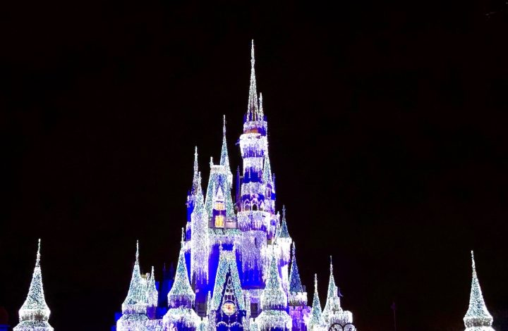A Very Merry 12 Blogs of Disney Christmas Gift Card Giveaway