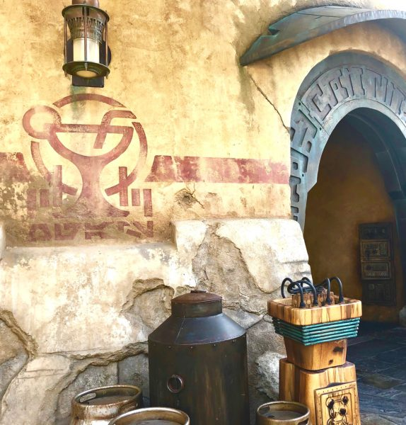 The best Eats and Drinks at Star Wars Galaxy's Edge